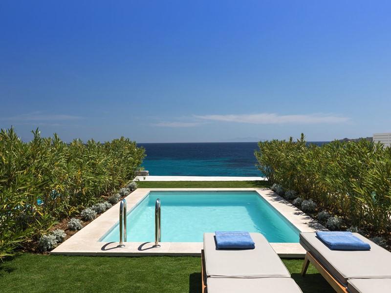 La piscine de la Deluxe Suite Sea View with private Pool du Santa Marina