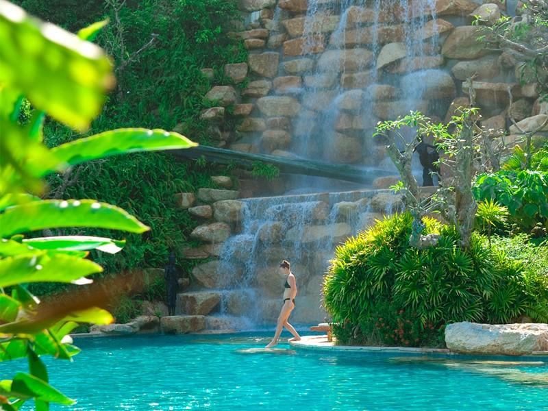 Autre vue de la piscine du Santhiya situé à l'Est de Koh Phangan