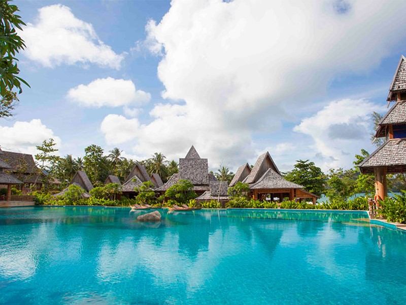 La piscine de l'hôtel Santhiya Koh Yao Yai Resort en Thailande