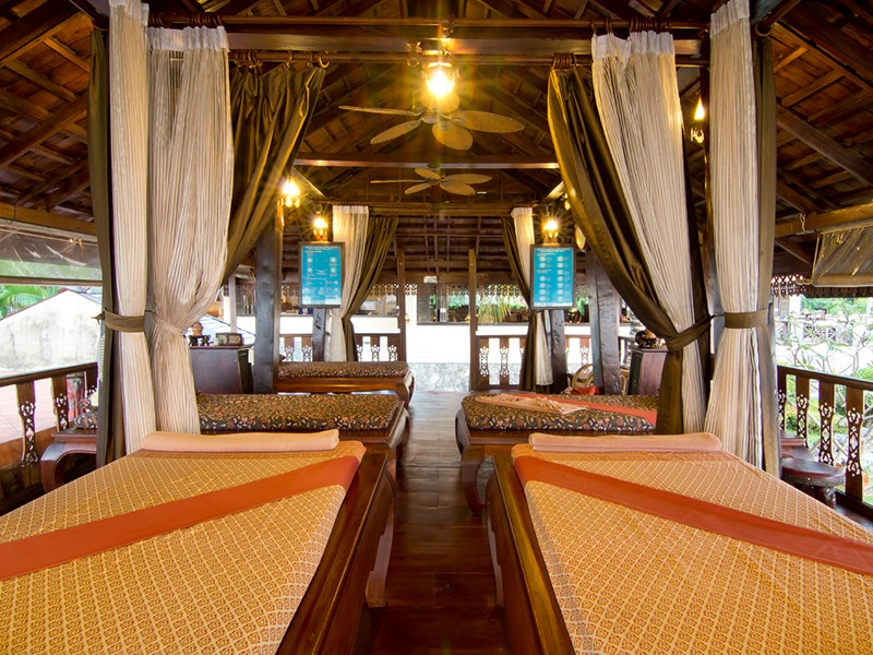 Le spa du Santhiya Tree Koh Chang Resort en Thailande