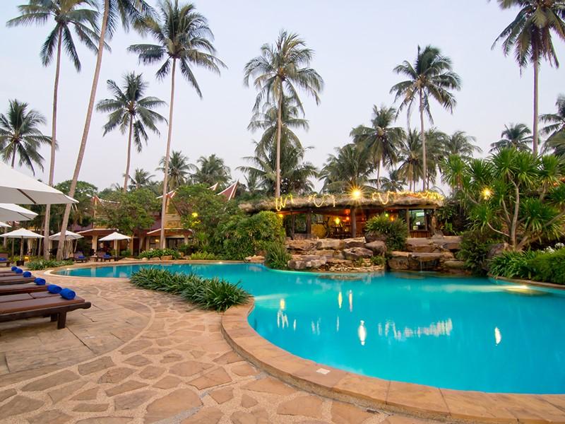 La piscine du Santhiya Tree Koh Chang en Thailande