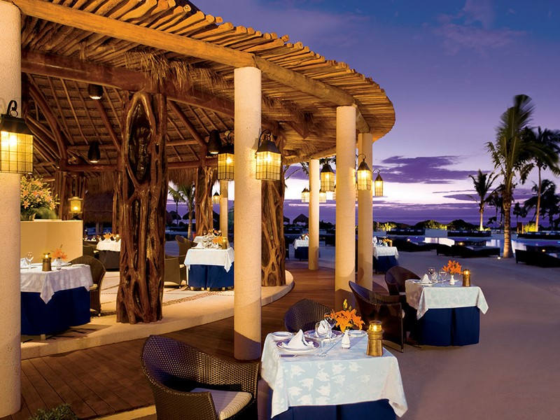 Le restaurant Oceana du Secrets Maroma au Mexique