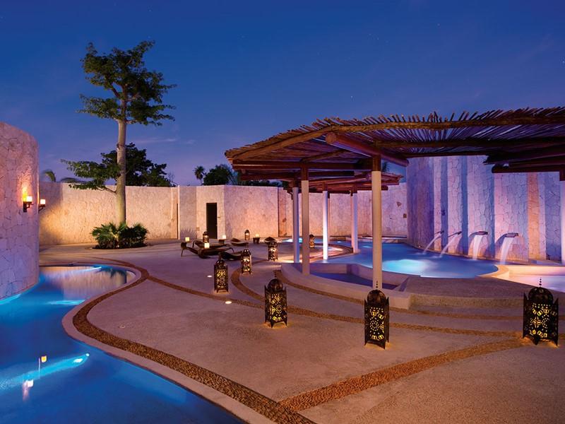 Exterieur du spa du Secrets Maroma au Mexique