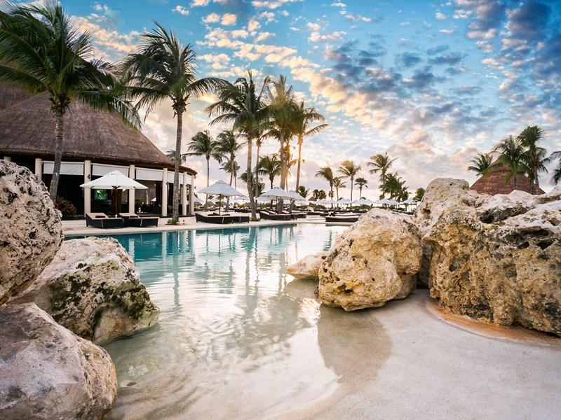 Autre vue de la plage de l'hôtel Secrets Maroma