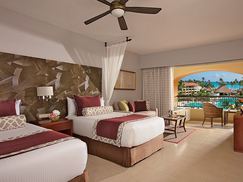 Preferred Club Junior Suite Tropical View