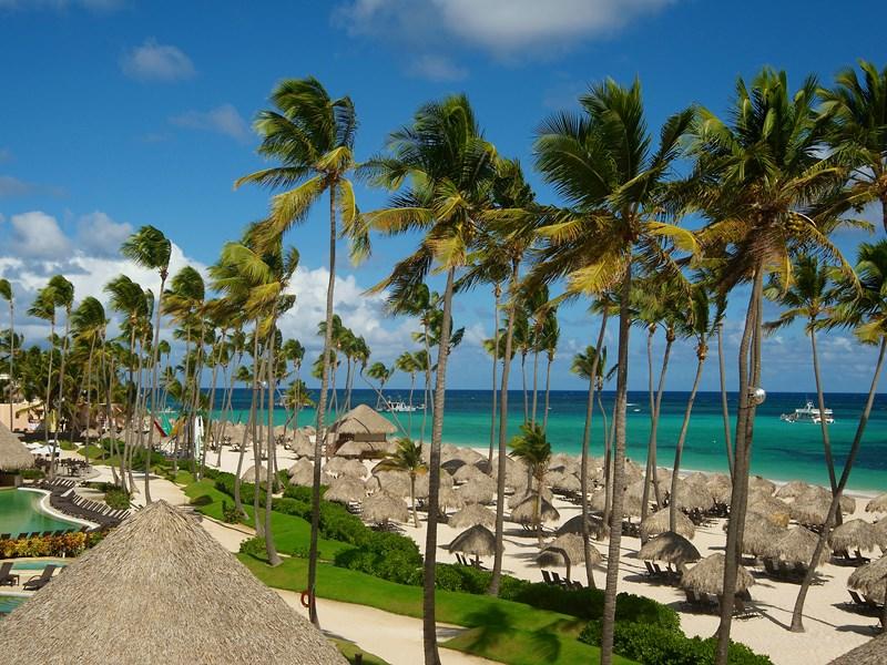 Profitez de la belle plage de sable blanc