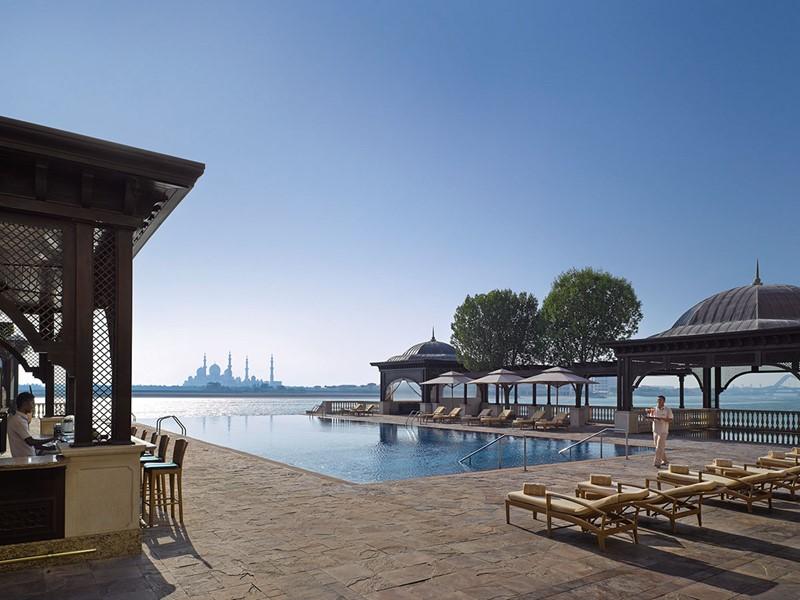 La superbe piscine du Shangri-La Hotel, Qaryat Al Beri