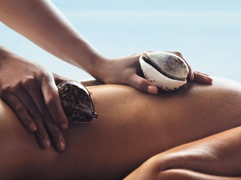 Massage au spa du Shangri-la's Villingili aux Maldives