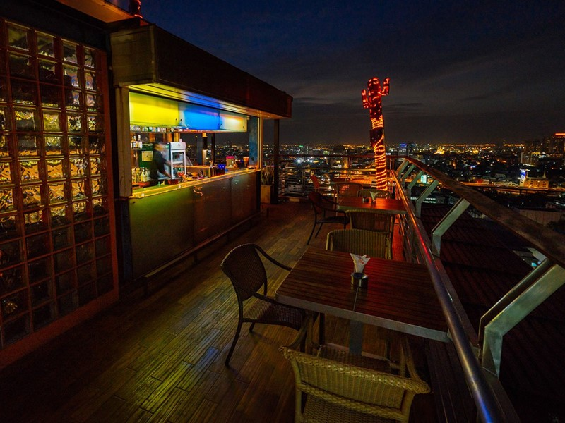 Roof Champagne & Wine Bar du Siam@Siam Design