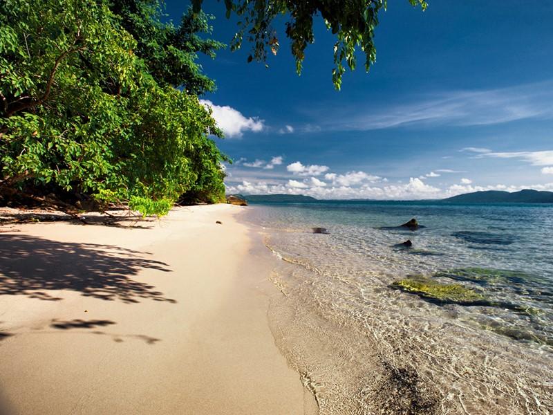La superbe plage du Six Senses Krabey Island