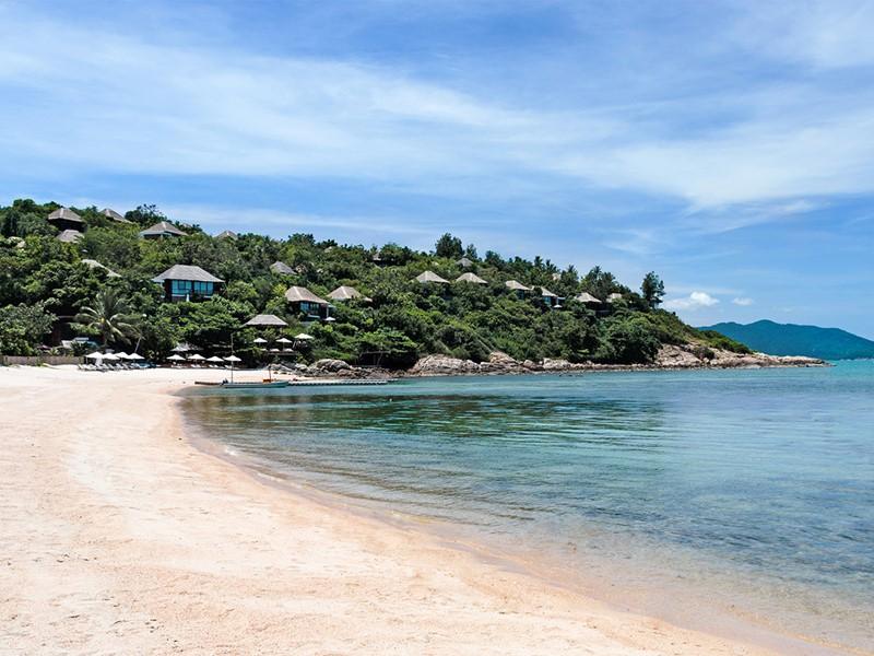 La plage de l'hôtel Six Senses à Koh Samui