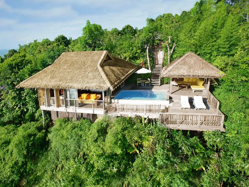 Les villas sont nichées au coeur d'une végétation luxuriante