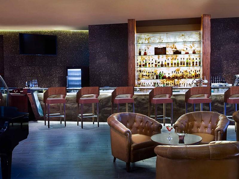 Autre vue du Porterhouse Bar de l'hôtel Sofitel