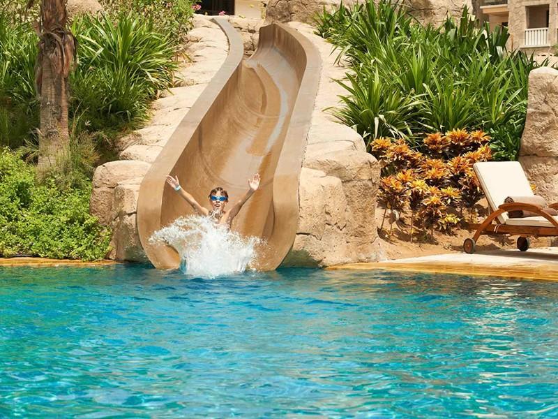 Toboggan de la piscine du Sofitel Palm Resort