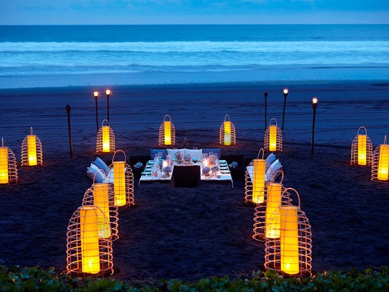 Dîner sur la plage de l'hôtel Soori Bali