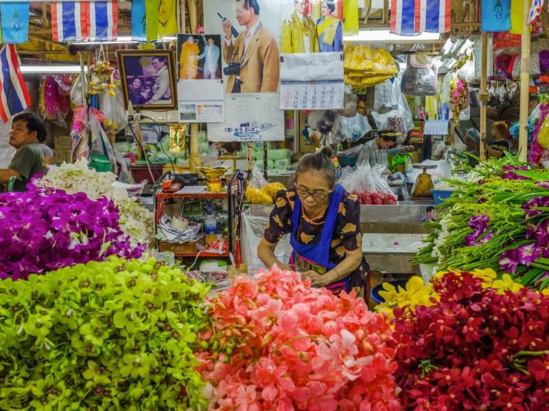 Baladez vous au cœur du marché aux fleurs de Pak Klong Talat