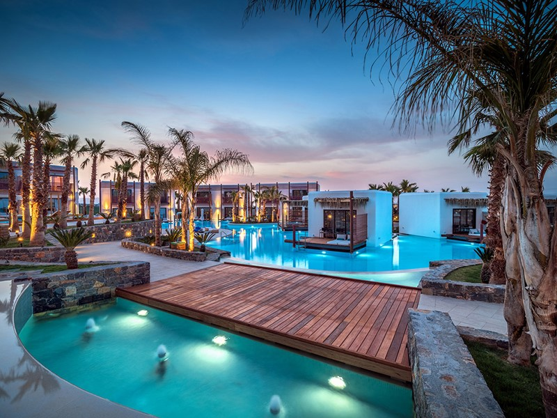 La piscine du Stella Island Resort & Spa en Crète