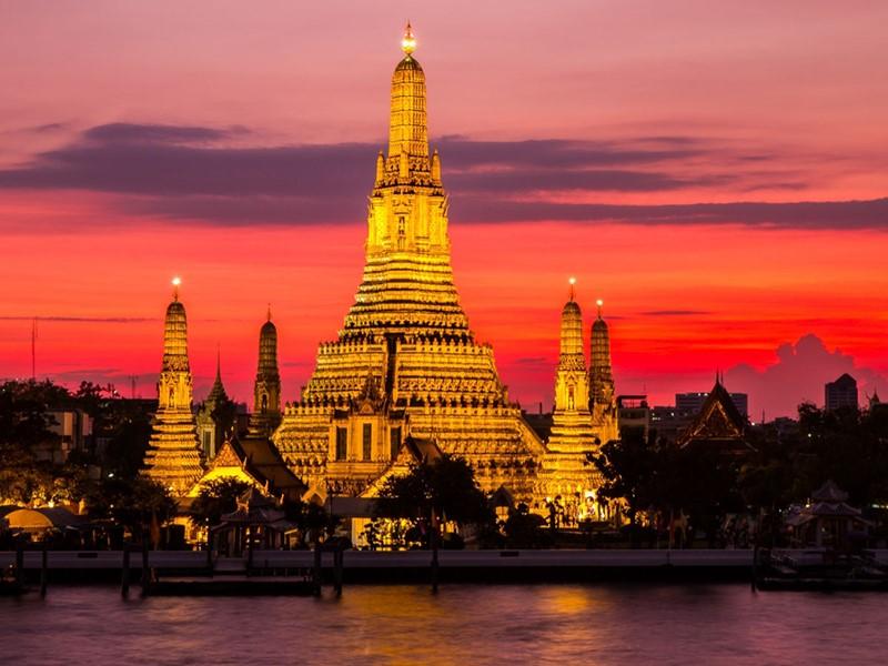 Le Temple de l'Aube (Wat Arun) à Bangkok