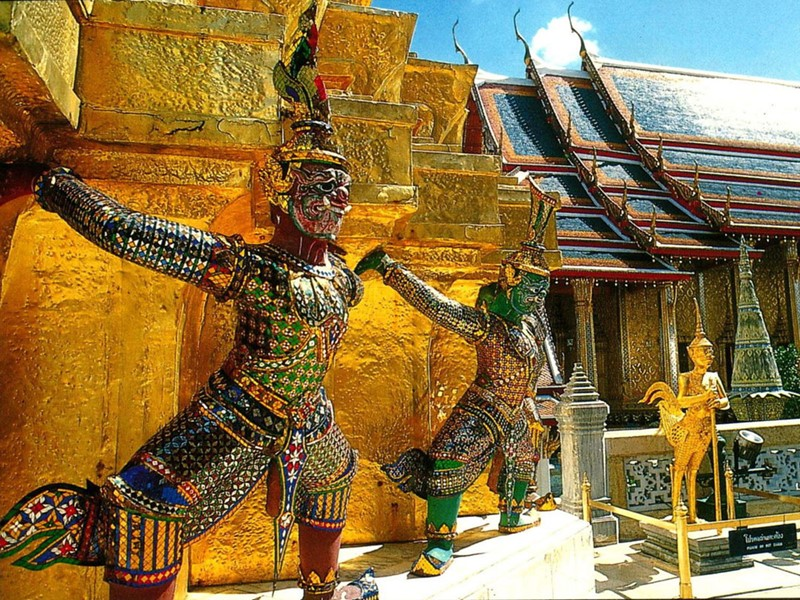 Découvrez le temple du Bouddha d'Emeraude
