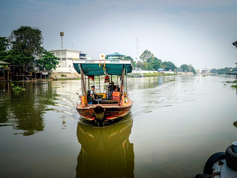 La rivière Bang Pa In et son marché flottant