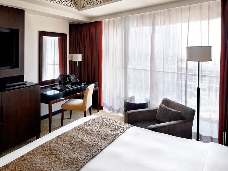 La Deluxe Room de l'hôtel The Address Dubaï Mall à Dubaï