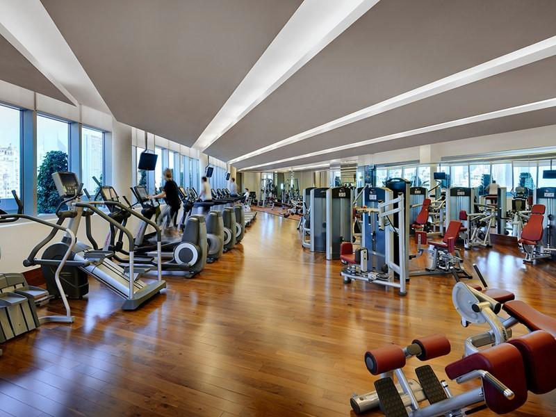 La salle de remise en forme de l'hôtel The Address situé à Dubaï