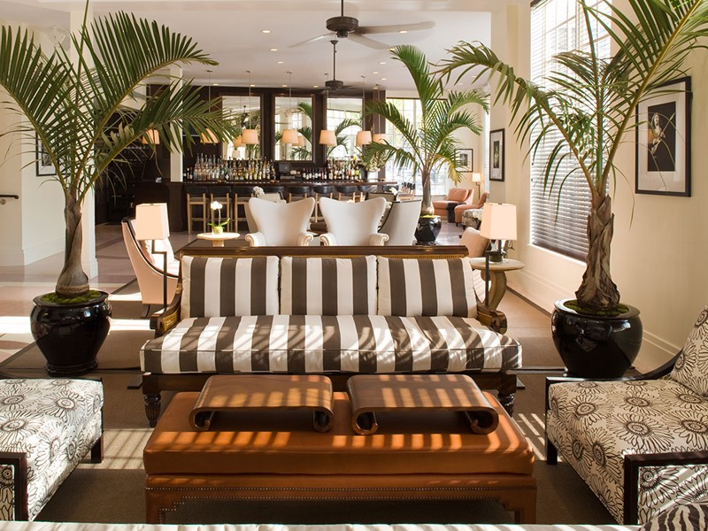 Le lobby de l'hôtel The Betsy, bordé par la mythique Ocean Drive