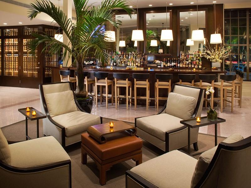 Le Lobby Bar de l'hôtel The Betsy, aux Etats-Unis