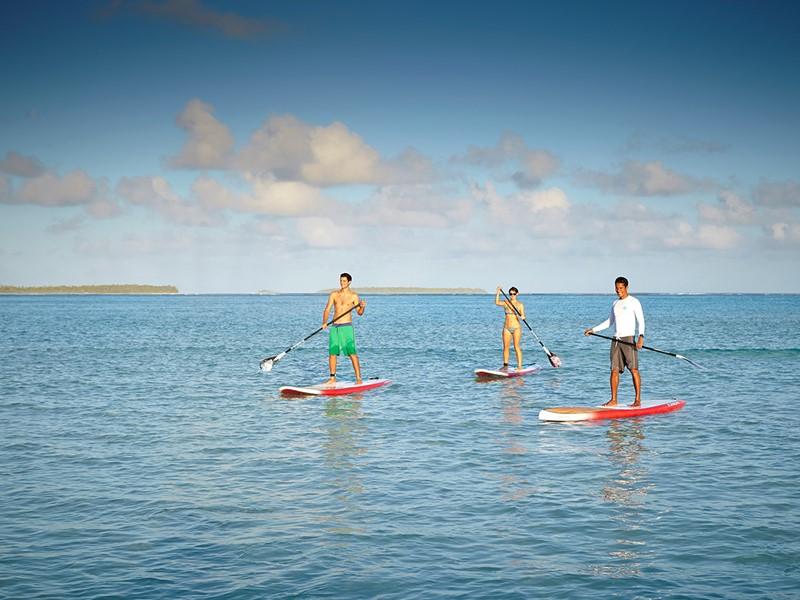 Paddle à l'hôtel The Brando en Polynésie