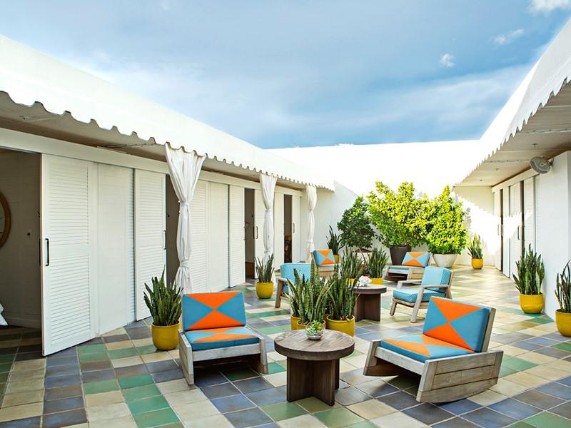 Evadez vous dans une ambiance calme et paisible à l'hôtel Confidante Miami Beach