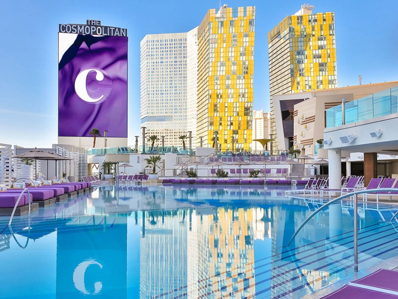 La piscine du Cosmopolitan of Las Vegas, aux Etats-Unis