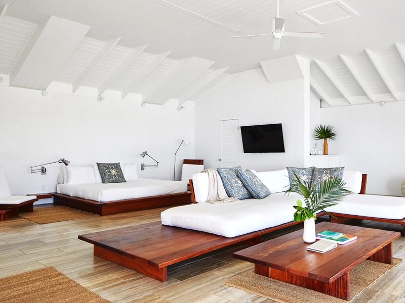 Oceanfront One Bedroom Villa