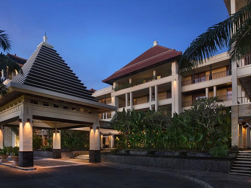 L'entrée de l'hôtel The Legian situé à Bali