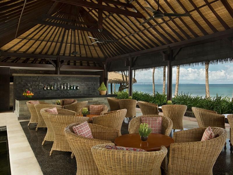 Autre vue du Pool Bar de l'hôtel The Legian