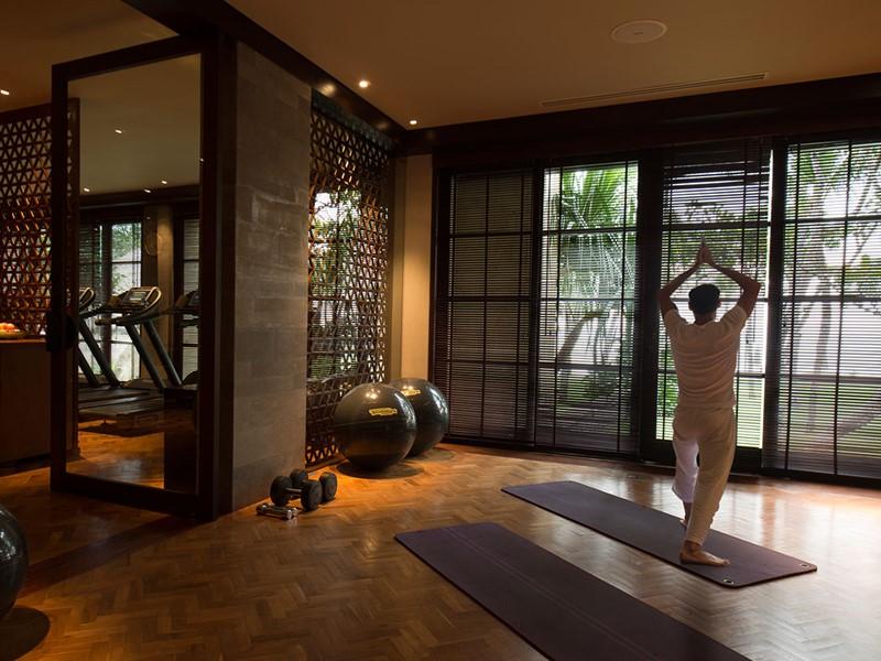 Yoga à l'hôtel The Legian situé à Bali