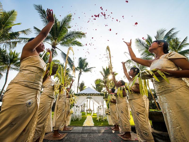 Mariage à l'hôtel The Legian à Bali