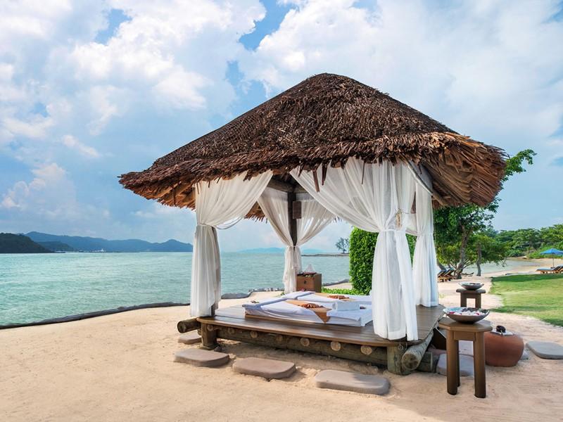 Pavillon de soins sur la plage