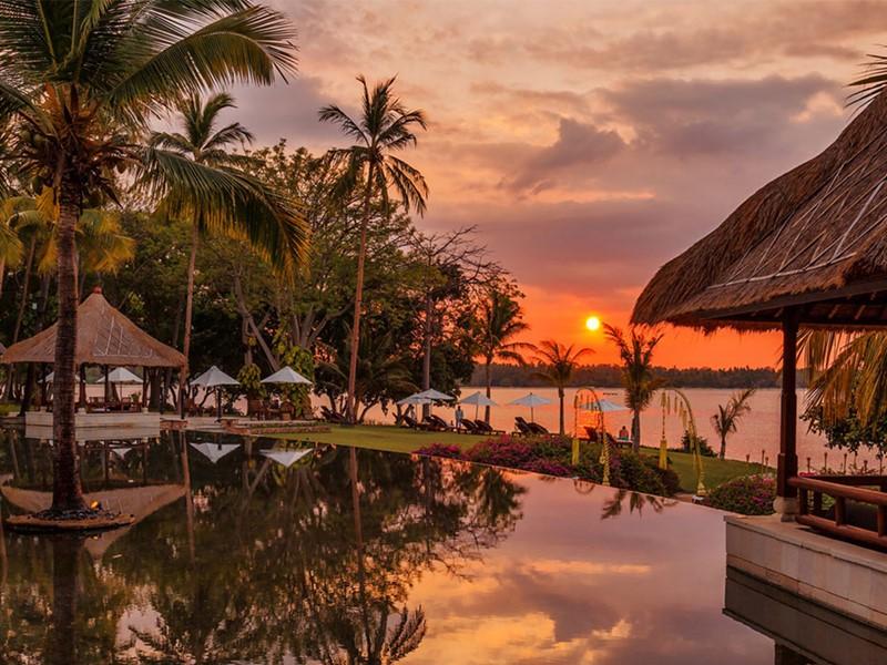 Coucher du soleil à l'hôtel The Oberoi Lombok