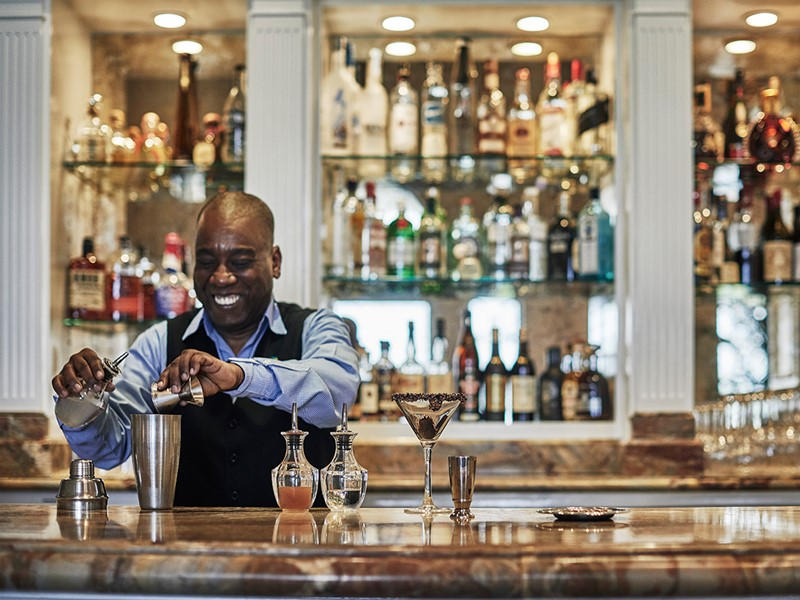 Rafraîchissez vous au Martini Bar de l'hôtel The Ocean Club
