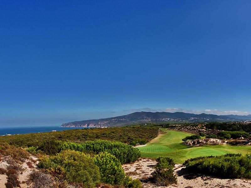Les férus de golf profiteront de leur séjour pour s'adonner à leur sport favori