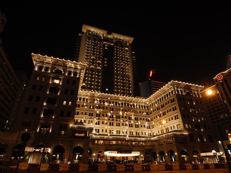 Vue de l'hôtel Peninsula Hong Kong situé au coeur de Kowloon