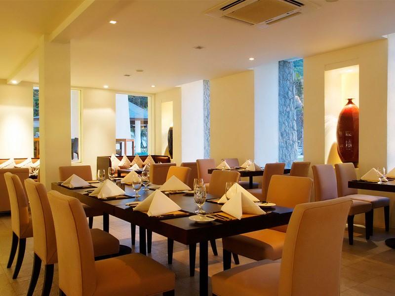 Restaurant Earth Cafe de l'hôtel The Racha à Phuket