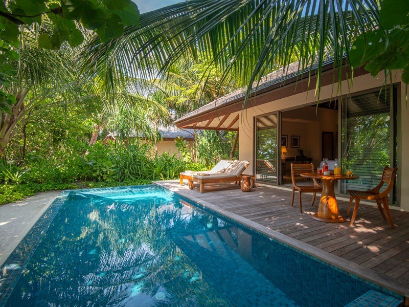 La Standard Beach Pool Villa