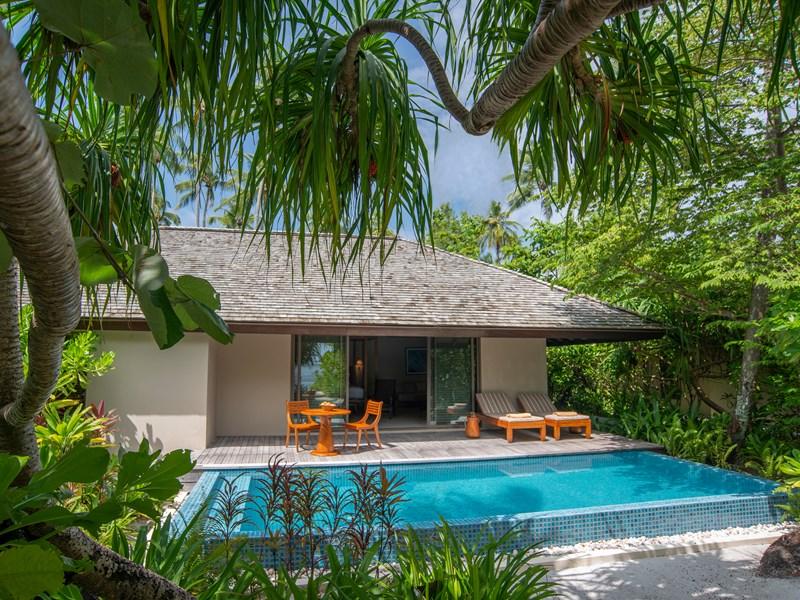 Sunset Deluxe Beach Pool Villa