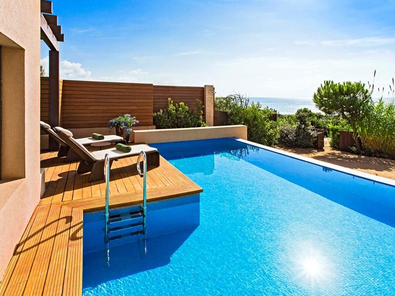 La piscine du Premium Grand Infinity Suite