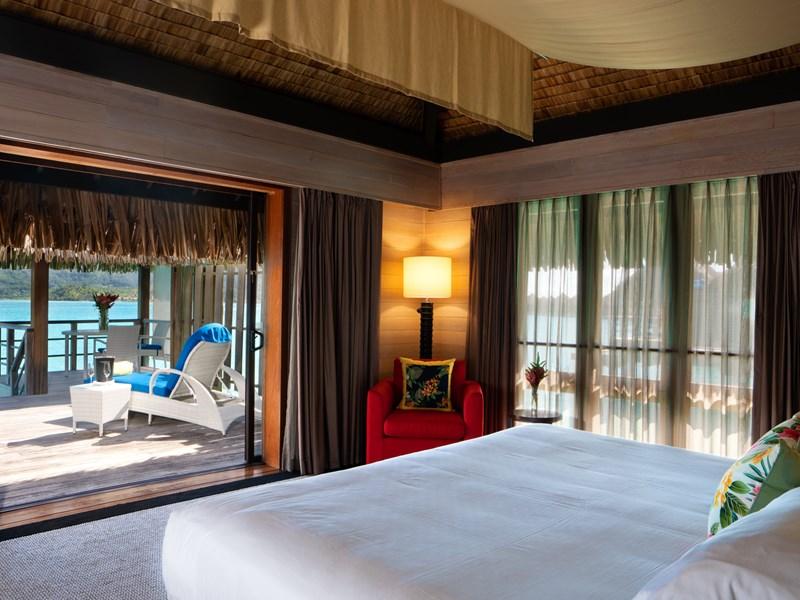 Overwater Deluxe Suite Villa Island View