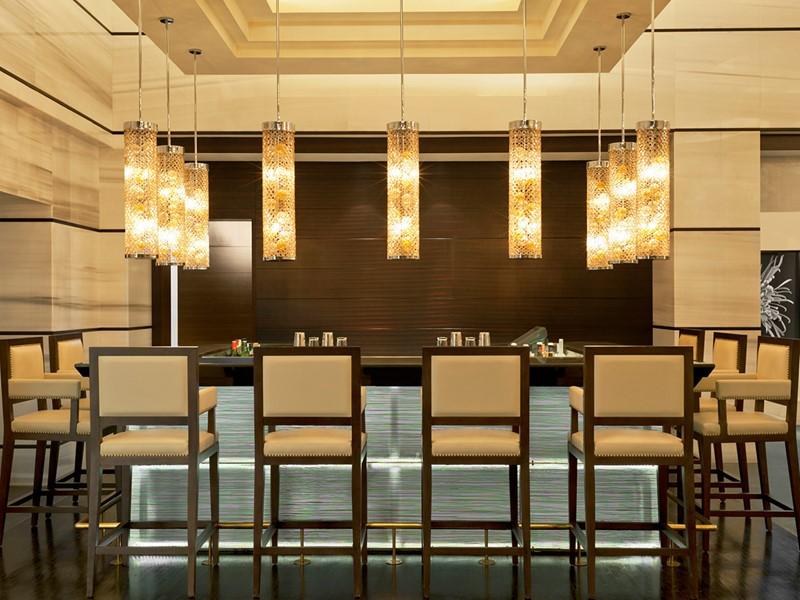 Le bar 55 & 5th The Grill de l'hôtel St. Regis Saadiyat