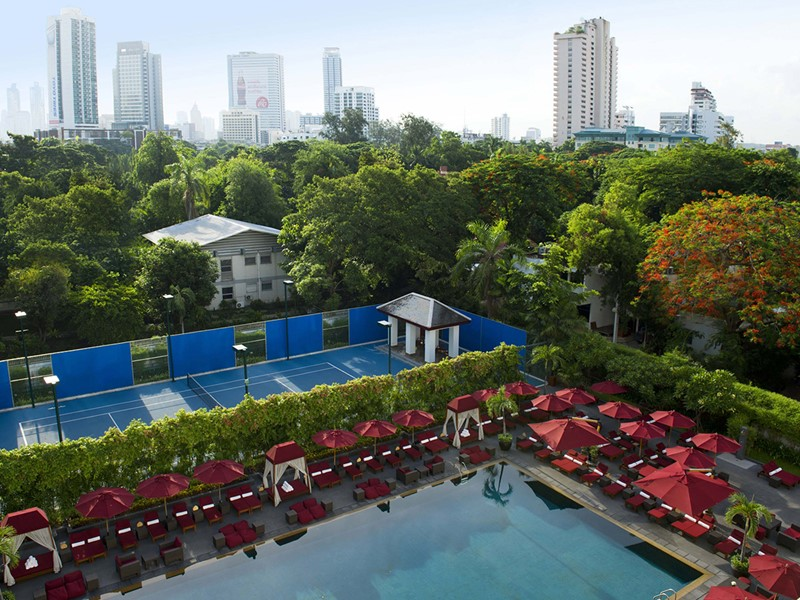 Le court de tennis du Sukhothai situé à Bangkok