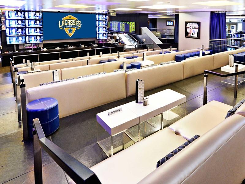Les amateurs de sports se réjouiront au bar Lagasse's Stadium du Venetian