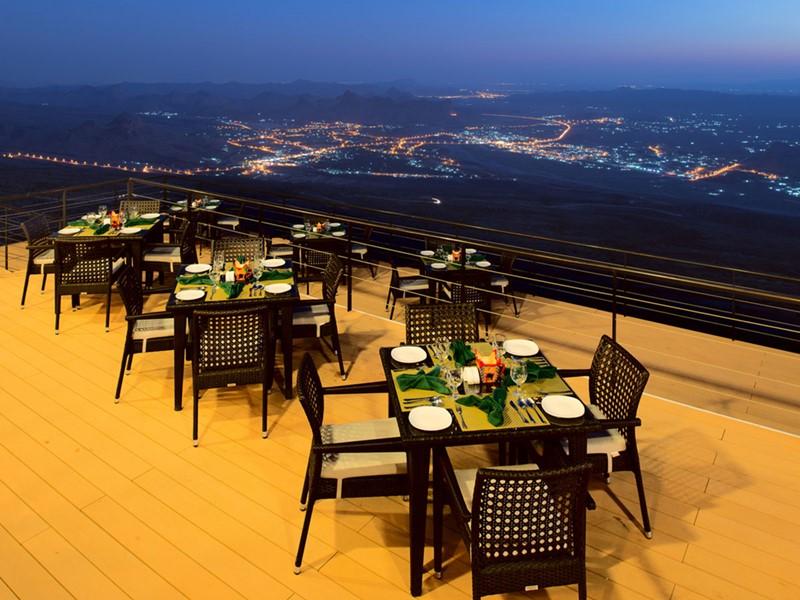 Somptueux repas face au canyon au restaurant de l'hôtel The View